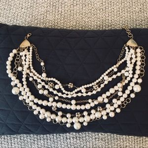 Jewelry - Faux Pearl and Gold chunky / layered necklace